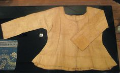 Two Nerdy History Girls: Rare Everyday-Wear: A Woman's Shortgown, c.1780-1800