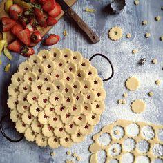 Pie Crust Creativity: Florets
