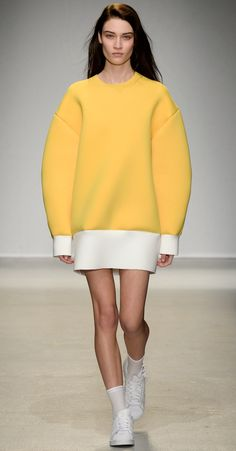 ̶$̶7̶2̶5̶ $507 OVERSIZED YELLOW NEOPRENE DRESS #JacquemusDress #Runway #FashionweekFall2014