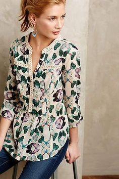 Silk blouse – New York Fashion New Trends Casual Wear, Casual Outfits, Cute Outfits, Fashion Outfits, Women's Casual, Mode Glamour, Dress Patterns, Blouse Designs, Ideias Fashion