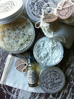 Aromatic bath soaks and our Little Taproot Apothecary Essential Oil Blend turn any bath experience into something magical while the Lavender And Clary Sage Body Scrub acts to exfoliates and renew in the shower. Complete either experience with our luscious Dream Catchers Body Butter for soft, supple skin and a soothed mind and body. ----- Bath Gift Box contains: - 2x Soothing Herbal Bath Soak: Calming plant ingredients and organic rolled oats - formulated for relief of dry, itchy, or…
