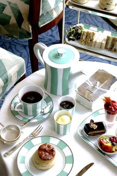 A lovely photo of Tea at Claridge's, London. I've had afternoon tea at Harrod's Terrace, but have yet to enjoy and Afternoon Tea at Claridge's or the Ritz. Coffee Time, Tea Time, Coffee Coffee, Coffee Break, Morning Coffee, Café Chocolate, Brunch, Tart, All I Ever Wanted