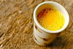 Indians Have Been Drinking This Turmeric-Saffron Milk For Centuries To Fight Inflammation And Disease