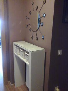 ayuda: recibidor pequeño y con radiador (pág. 2) | Decorar tu casa es facilisimo.com Radiator Cover, Radiators, Entrance, Ikea, Shabby, Home Appliances, Diy Crafts, Room, Home Decor
