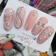 nail art on soft beige ❤ Xmas Nails, Holiday Nails, Christmas Nails, Christmas Decor, Christmas Nail Art Designs, Winter Nail Designs, Winter Nail Art, Winter Nails, Cute Nails
