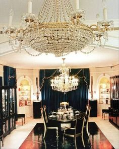{*Elvis's home, The Dining Room at Graceland just beautiful*}