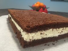 Hjemmelavet mælkesnitte kage Diy Snacks, Danish Food, Almond Joy, Rocky Road, Food Cakes, Baking Tips, Cakes And More, Cake Recipes, Delish