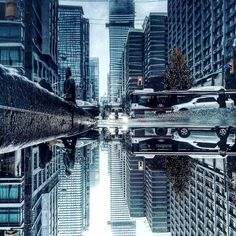 Parallel Worlds of City Rain Reflections in Toronto – Fubiz Media Toronto Photography, World Photography, Photography Editing, Creative Photography, Amazing Photography, Street Photography, Travel Photography, Water Puddle, City Rain