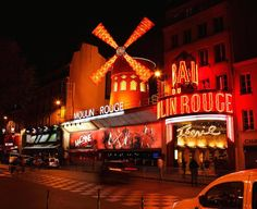 Some Red Light District Tips about Paris from Claire, who runs Traveltio! Her bio says - 'I'm a self-confessed travel nut. I've been travel   Moulin Rouge Paris France