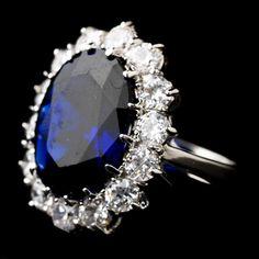 Diamond Wedding Rings Vintage sapphire wedding ring with diamonds - Wedding Rings Vintage, Vintage Engagement Rings, Vintage Rings, Wedding Jewelry, Oval Engagement, Saphire Ring, Sapphire Wedding Rings, Sapphire Diamond, Emerald Rings