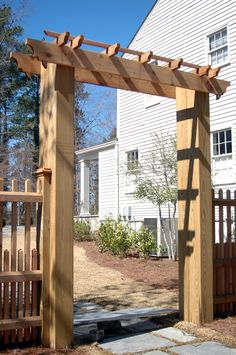 Love this gate/entry.  I built something similar to this at our old house and had to leave it behind.  I miss it.  I'd love to have the time to do a project like this again.