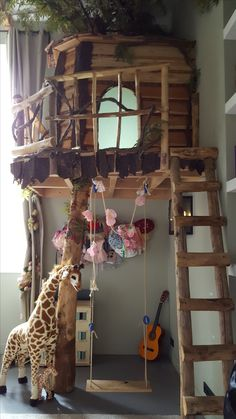 The most beautiful dream room tree house play room play house De Mooiste Droomkamers Indoor Treehouse Playroom Playhouse, Indoor Tree House, Indoor Trees, Tree House Beds, Safari Bedroom, Kids Bedroom, Bohemian Wall Decor, Toy Rooms, Dream Rooms, Play Houses