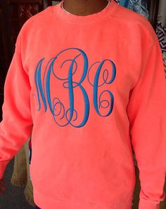 Monogrammed Comfort color crew neck sweatshirt I WANT THIS! its my old monogram! Vogue, Crew Neck Sweatshirt, Monogram Sweatshirt, Monogram Shirts, Personalized Shirts, Comfort Colors, Lettering, Swagg, In This World