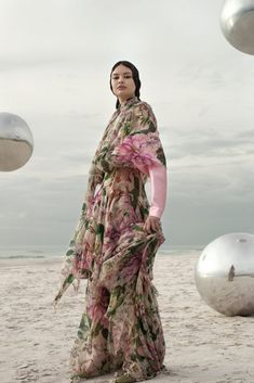 Model Nora Mejdouli is styled by Veronica Bergamini in images by Daniela Rettore for Marie Claire Arabia January Beauty Photography, Editorial Photography, Fashion Photography, Fashion Shoot, Editorial Fashion, Jason Kim, Harley Weir, Daniel Jackson, Elle Us