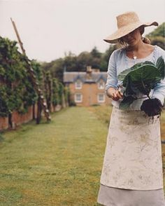 Love to wear an apron to garden.