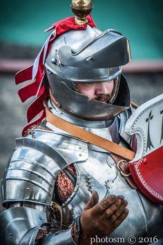 Jan Gradoń 2016/Queen's Jubilee Horn Tournamen - Royal Armouries Jousting Tournam- 2016 /  https://www.facebook.com/196662507176666/photos/a.598585223651057.1073742106.196662507176666/598585326984380/?type=3&theater