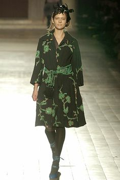 Dries Van Noten Fall 2005 Ready-to-Wear Collection Slideshow on Style.com