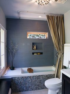 54 Delightful Bathroom Tub Shower Combo Remodeling Ideas - About-Ruth Tub Enclosures, Bathroom Tub Shower Combo, Bathroom Styling, Modern Bathtub, Bathroom Remodel Master, Grey Blue Bathroom, Grey Bathrooms, Shower Over Bath, Bathroom Design
