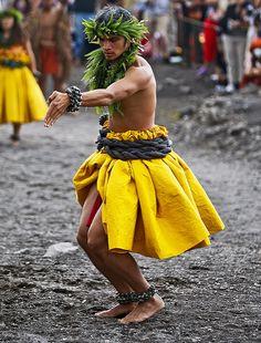 Kuha`o Zane performs ancient Hula Kahiko-HAWAIIAN