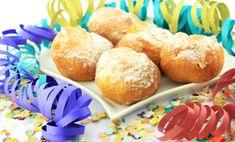 Per dimezzare le calorie, cucinate le castagnole, tipico dolce di Carnevale, al forno invece di friggerle in padella. Una ricetta semplice in versione light per festeggiare con più leggerezza. Preparazione Prendete una spianatoia di legno e versate a fontana la farina con dentro lo zucchero, le uova, il burro sciolto a bagnomaria e un pizzico di sale. Lavorate l'impasto … Continued