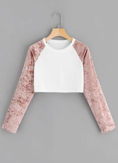 Cut And Sew Velvet Panel SweatshirtFor Women-romwe – Mode für Frauen Girls Fashion Clothes, Tween Fashion, Teen Fashion Outfits, Girl Fashion, Crop Top Outfits, Cute Casual Outfits, Mode Instagram, Mode Grunge, Mode Style