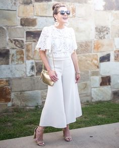Lace Crop & Culottes // All Ivory Look // Fashion & Frills Style Bloggeer
