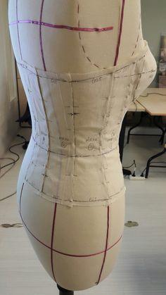 Kaplı büstiyer drapaj çalışması / arka (corset /back)