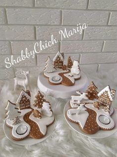 christmas cookies gingerbread Weihnachtspltzchen J - christmascookies Christmas Sugar Cookies, Christmas Sweets, Christmas Cooking, Christmas Goodies, Gingerbread Cookies, Christmas Time, Christmas Crafts, Gingerbread House Patterns, Christmas Gingerbread House