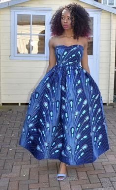 The ultimate go to for that special event. Exquisite, magnificent and queenly is what comes to mind when you see this classic strapless African print maxi dress. This breathtaking and stunning African print dress will definitely get you loads of compliment till you can take it no more. It has African Print Clothing, African Print Dresses, African Fashion Dresses, African Dress, African Prints, Nigerian Fashion, African Clothes, Ankara Maxi Dress, Backless Maxi Dresses