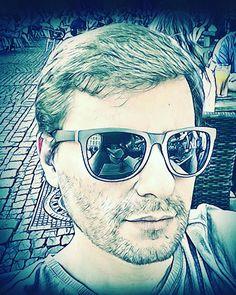I wear my sunglasses at night.  #sunglasses #sonnenbrille #obercool #vollcool #cool #aachen #oche #irgendwie #Markt #heimat #zuhause #nichtwirklichsommer #sommer #sun #kannmanmachen