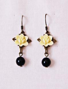 Antique Bronze Earrings. Yellow Flowers Earrings. Hook Earrings. Long Earrings. Perfect women gift de dequitaypon en Etsy