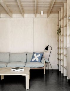 Plywood Interior, Plywood Furniture, Furniture Design, Plywood Wall Paneling, Plywood House, Casa Art Deco, Living Room Decor, Living Spaces, Plywood Design