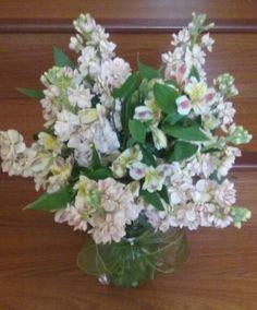 Stock with alstroemerias arrangement. #blusharrangement #blushflowers #blushstock #stockflowers #stockalstroemerias #stockalstroemeriaarrangement