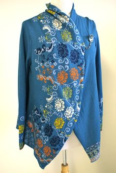 FRont if Ivko Cardigan with jacquard floral motif