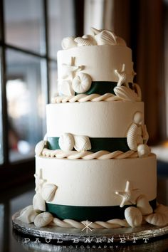 seashell & starfish wedding cake
