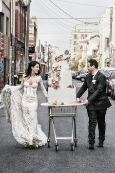 lace wedding dress custom made by http://vincenzopintaudicouture.com