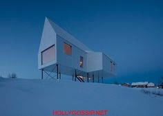The snow-white house on poles in snowy Quebec \  Architecture http://ift.tt/2mqjMqQ