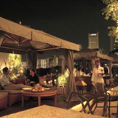 The Scarlet Rooftop lounge, Breeze. Singapore