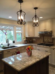 There is no question that designing a new kitchen layout for a large kitchen is much easier than for a small kitchen. A large kitchen provides a designer with adequate space to incorporate many convenient kitchen accessories such as wall ovens, raised. Beautiful Kitchens, Kitchen Design Small, Beautiful Kitchen Cabinets, Kitchen Decor Inspiration, Modern Kitchen, Home Kitchens, Farmhouse Kitchen Design, Kitchen Renovation, Kitchen Design