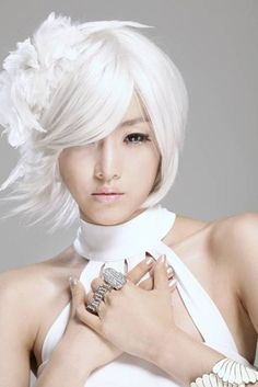 white hair / beauty