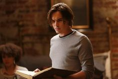 Tyler Blackburn Confirmed for Pretty Little Liars Season 5