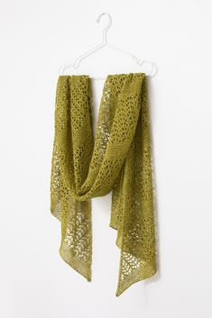 Ravelry: Fern Fronds rectangle shawl from Woolenberry - Knitting Easy Knitting, Knitting Patterns Free, Scarf Patterns, Knitting Ideas, Knitting Stitches, Knitting Needles, Knitting Projects, Knitted Poncho, Knitted Shawls