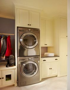 Laundry Room - traditional - laundry room - dallas - by CB Construction Company
