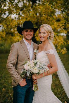 Cowboy Wedding Attire, Country Wedding Groomsmen, Cowboy Groomsmen, Cute Wedding Ideas, Wedding Pics, Dream Wedding, Wedding Stuff, Flannel Wedding, Country Wedding Inspiration