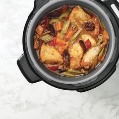 Make this inspired lemon chicken tajine in your RICARDO electric pressure cooker or Instant Pot. Power Pressure Cooker, Pressure Cooker Chicken, Pressure Cooker Recipes, Pressure Cooking, Ricardo Recipe, Poached Chicken, Chicken Burritos, Boneless Chicken, Lemon Chicken