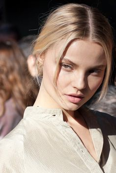 Dolce & Gabbana fall/winter 2012-2013 supermodel Magdalena Frackowiak