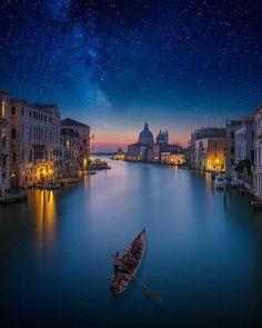 Gran Canal con S.Mª della Salute al fondo.Venecia