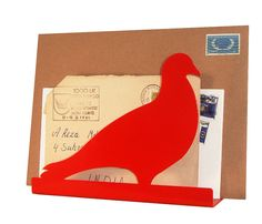 Pigeon Post Letter Rack - Remember the courageous carrier pigeon? Well let us introduce you to the letter rack pigeon! Instead of delivering messages, this plucky pigeon has now been reassigned to collecting your important mail and keeping it safe. Pigeon Post, Homing Pigeons, Letter Rack, Hallway Furniture, Quirky Gifts, Red Candy, Bird Design, Unique Home Decor, Love Letters