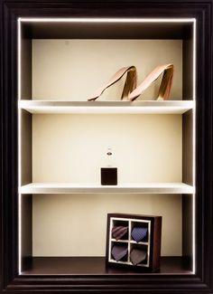 E. Marinella Cravatte Showroom Milano - HI LITE Next #progettazione #illuminotecnica #lighting #design #fixtures #viabizzuno M6 M1 micro, sbacchetta by Hi LITE Next