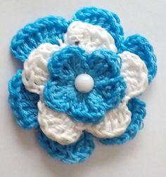 escarapelas-artesanales-al-crochet-con-prendendor-D_NQ_NP_417705-MLA25066164234_092016-F.webp (1123×1200)